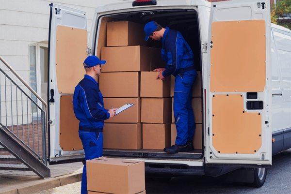 Hiring Professional Packers for Local Moving