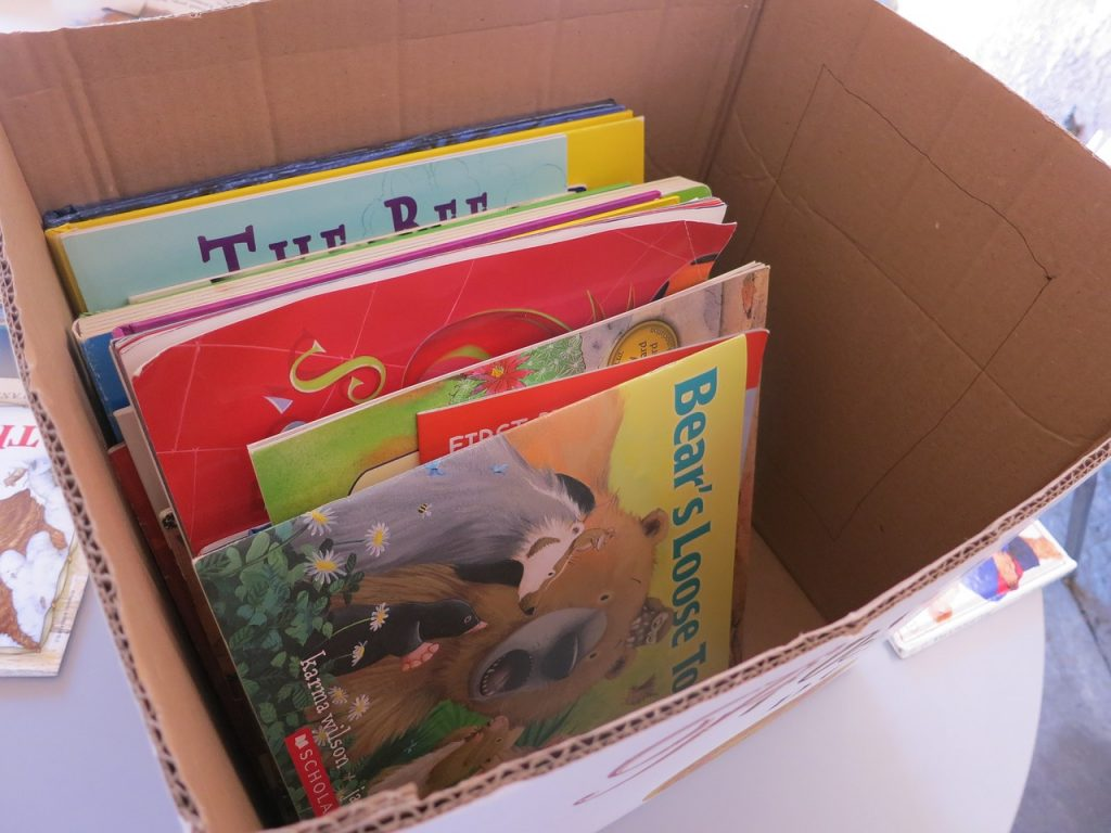 A box full of children's books in them. If you label them 'kid books', you'll get successful unpacking down in no time.