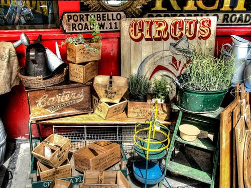 Tips for Holding a Successful Pre-Move Garage Sale
