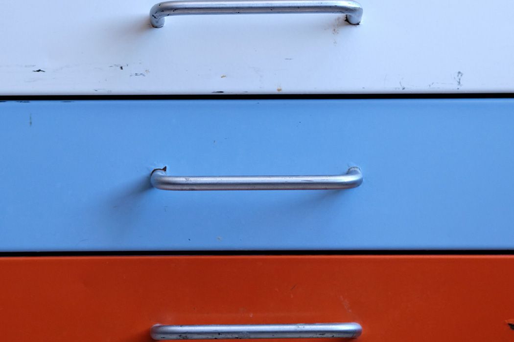 How to Pack Drawers for Moving